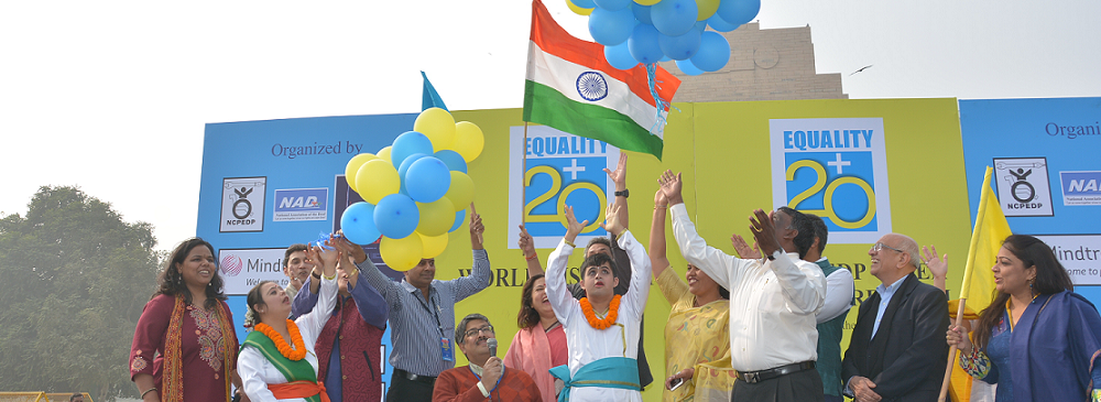 Releasing of balloons at The NCPEDP-VEER Walk To Freedom organized at India Gate on the occasion of the International Day of Persons with Disabilities on 3rd December, 2015.